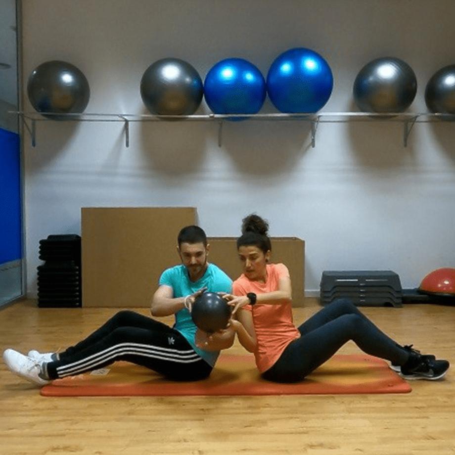 Torsión con pelota, ejercicios en pareja
